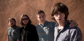 Arctic Monkeys en 2012