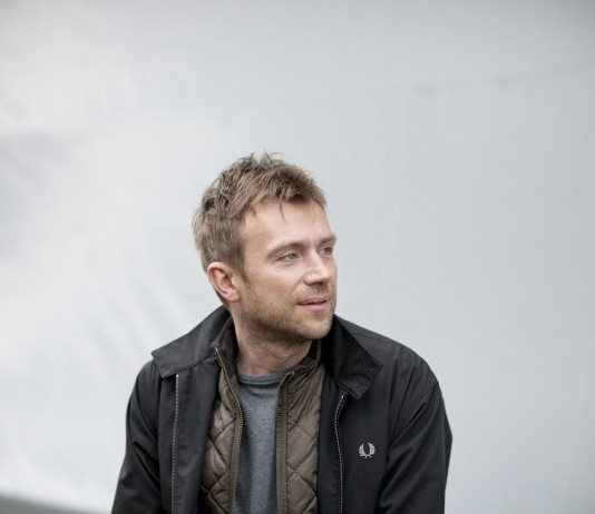 Damon Albarn de perfil