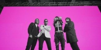 Kasabian en el videoclip de 'Eez Eh'