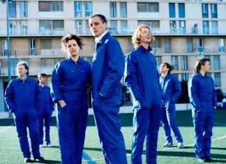 Arcade Fire con monos azules