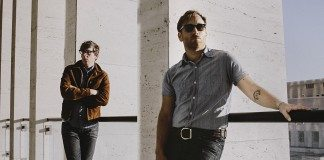 The Black Keys en barandilla