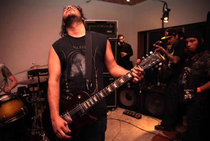 apocalipsis-tocando-directo-estudio-grabacion