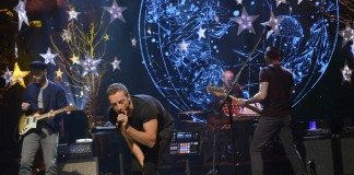 Coldplay presentando 'Ghost Stories' en directo.