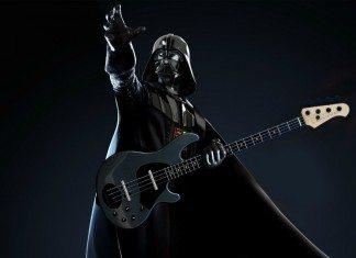 Darth Vader con un bajo eléctrico