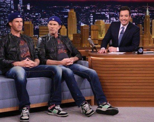 Will Ferrell y Chad Smith en The Tonight Show starring Jimmy Fallon