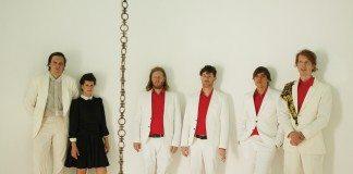 Arcade Fire separados por una cadena