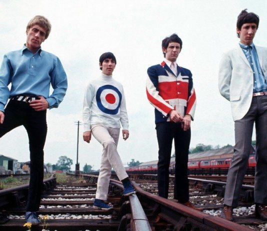 The Who en las vías del tren