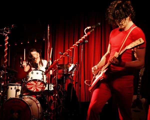 the_white_stripes01_website_image_xubh_standard-1-600x480