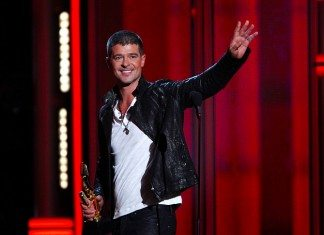 Robin Thicke en los Billboard Awards 2014 con un premio