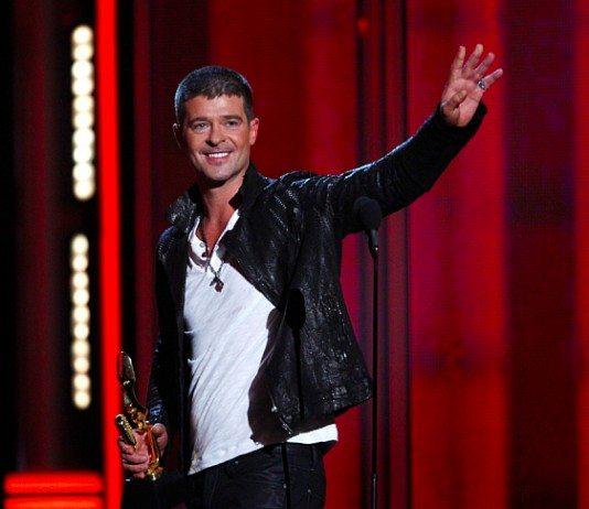 Robin Thicke en los Billboard Awards 2014 con un premio