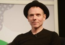 Stuart Murdoch con sombrero