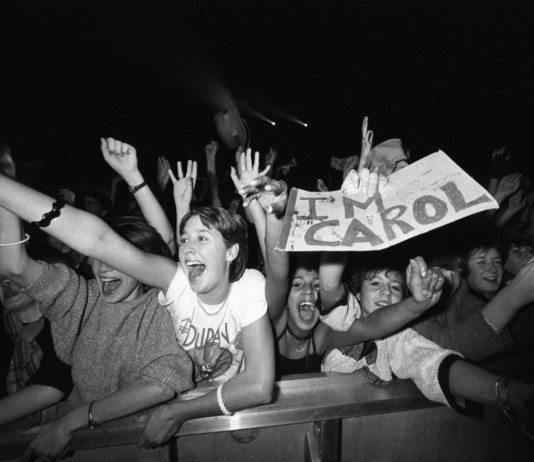 Fans de Duran Duran durante un concierto.