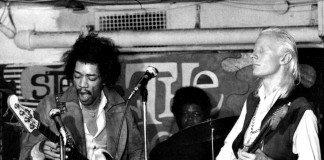 Johnny Winter con Jimi Hendrix tocando en directo.