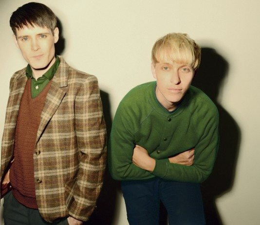 The Drums en oscuridad