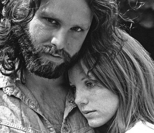 Jim Morrison con Pamela Courson