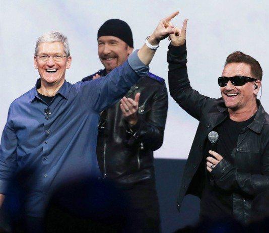 Tim Cook y U2 en la presentación del IPhone 6.