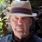 Escucha 'Who's Gonna Stand Up', la activista nueva canción de Neil Young {focus_keyword} Pina | Wim Wenders Neil Young 014