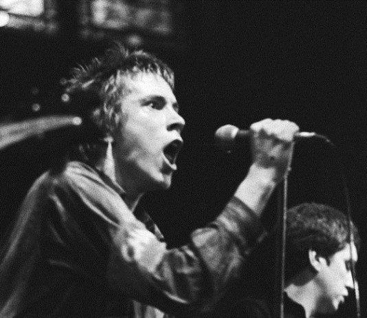 Sex Pistols vs Ramones