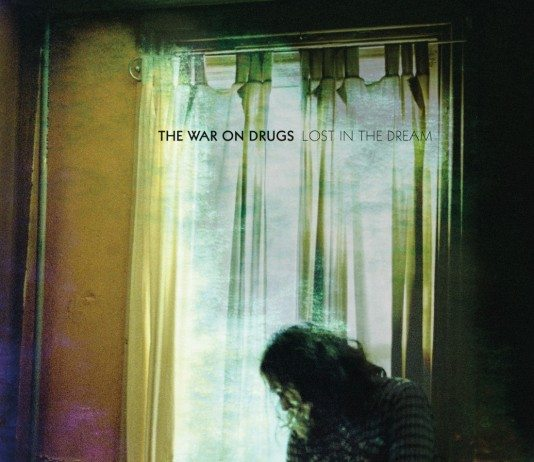 Portada de 'Lost in the Dream' de War On Drugs.