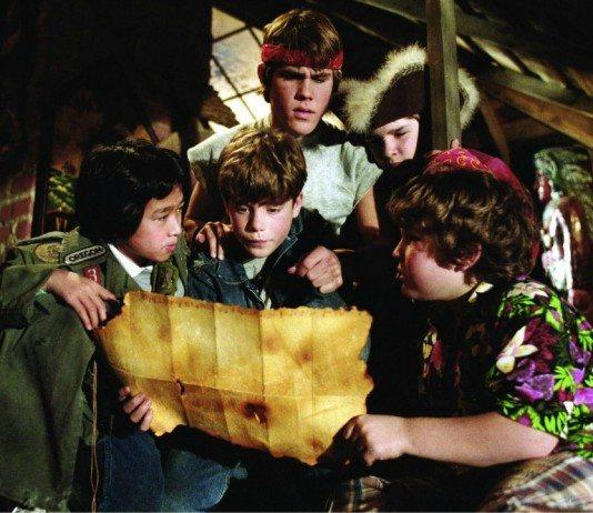 Los Goonies-con un mapa