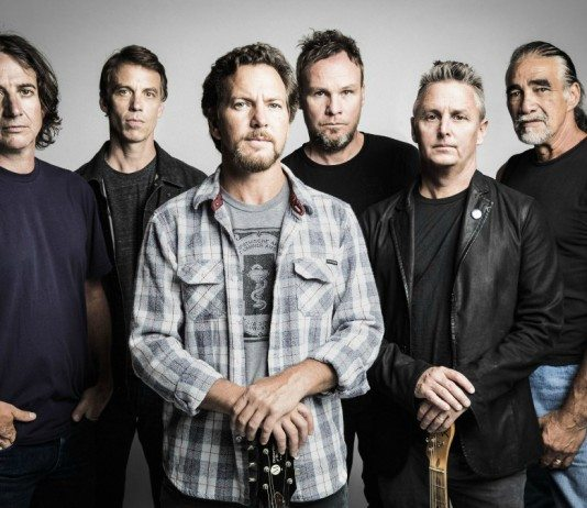 Pearl Jam en foto de estudio