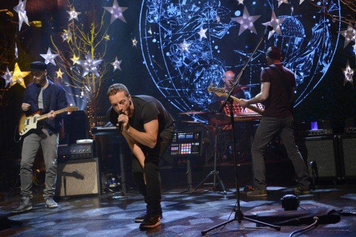 Coldplay presentando 'Ghost Stories' en directo.