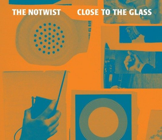Portada de 'Close to the Glass' de The Notwist