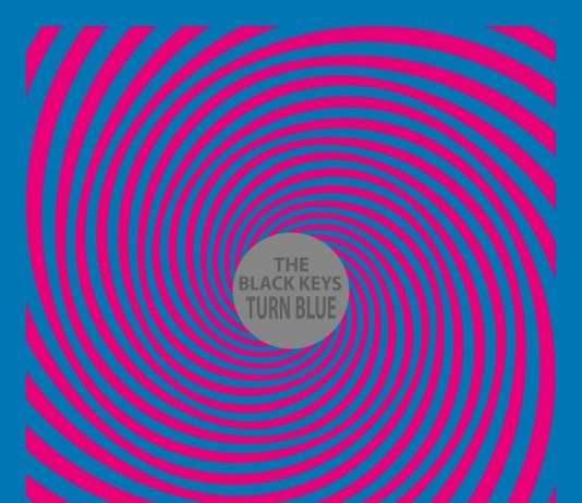 Portada de 'Turn Blue' de The Black Kets