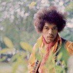 Jimi Hendrix entre unas plantas