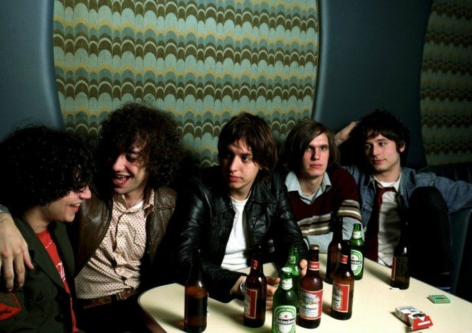the-strokes-mesa-bar-2001-680x480