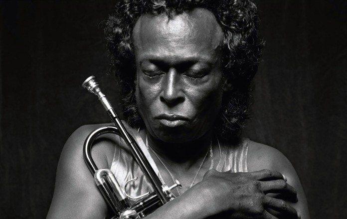 Miles Davis en blanco y negro