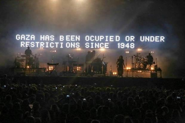 Mensaje de denuncia de la situación de Gaza en un concierto de Massive Attack.