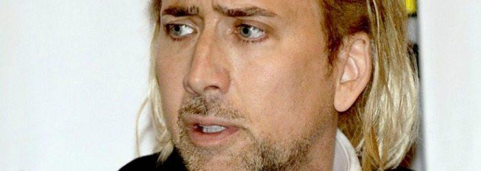 Nicolas Cage con el pelo rubio.