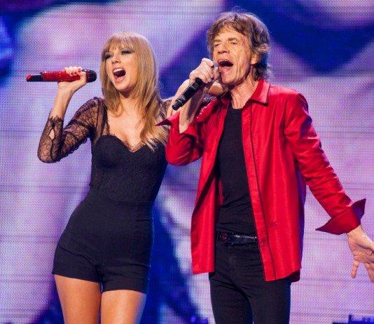 Taylor Swift y Mick Jagger cantando en directo