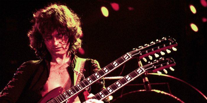 Jimmy Page en directo con una guitarra de dos mástiles